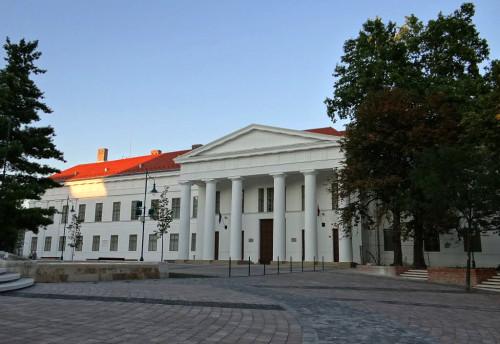 szekszárd megyeháza