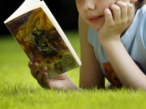 child-reading-pa