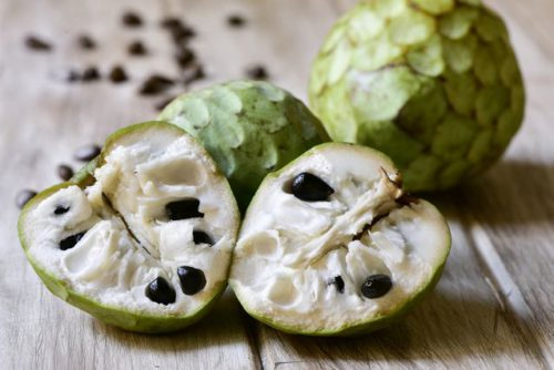 cherimoya-weird-fruit-jpg-638x0_q80_crop-smart